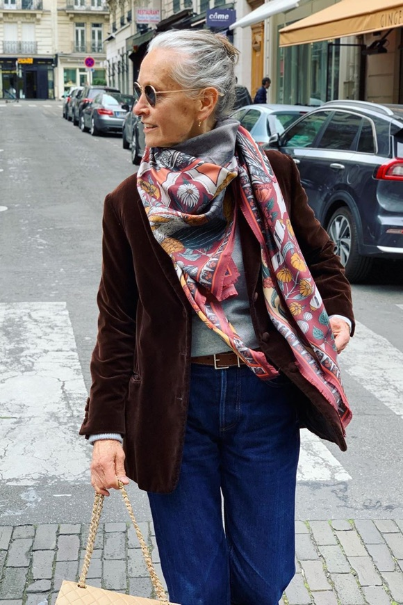 foulard femme 70 ans
