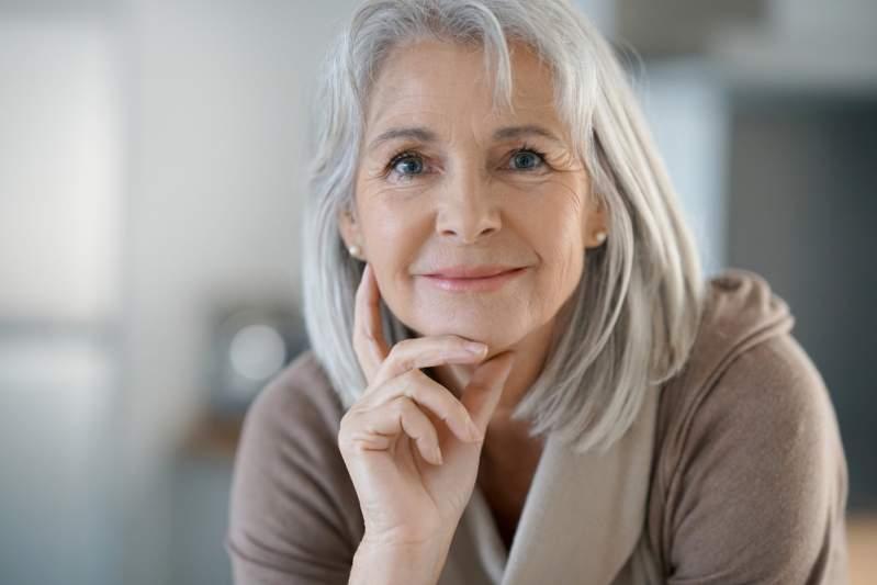 Les coiffures à éviter à 50 ans ?