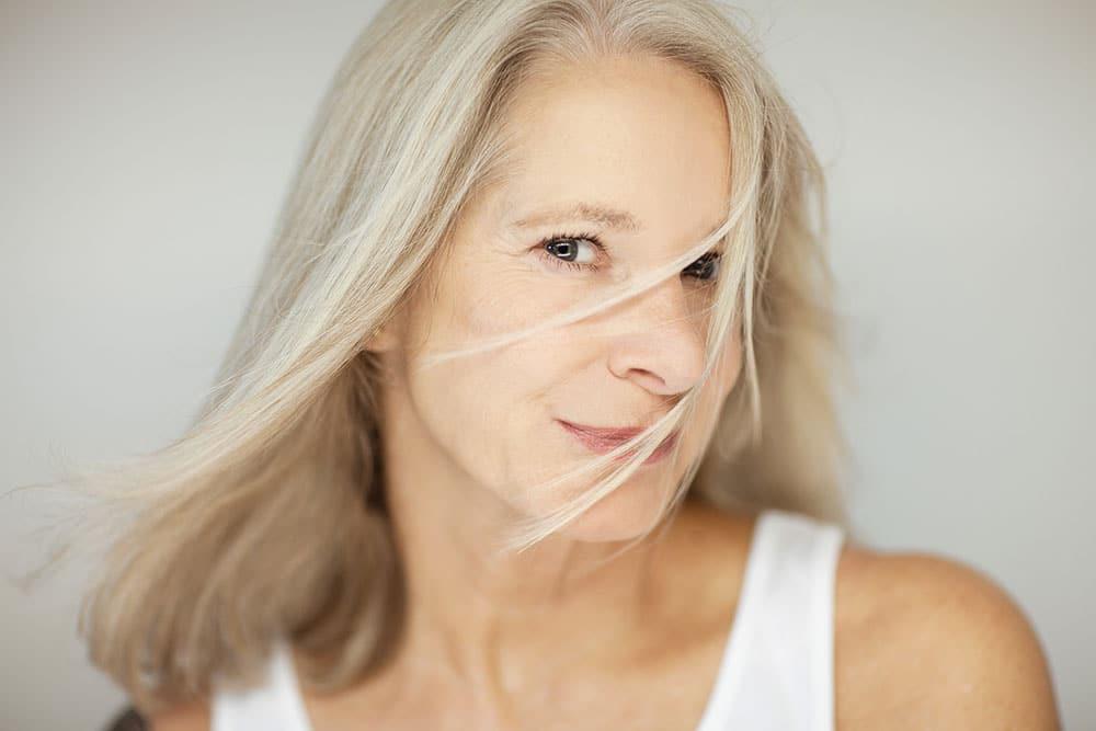 Quelle coiffure LONGUE pour une femme de 50 ans ?