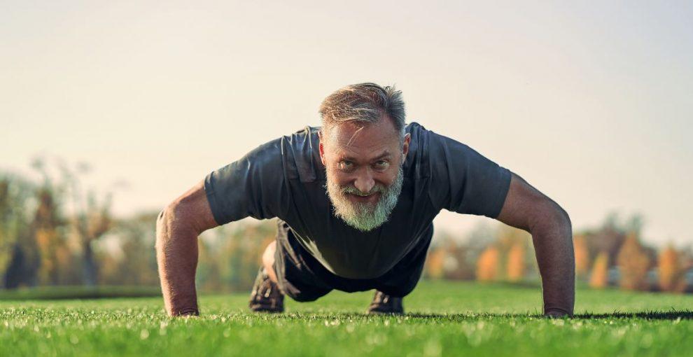 Comment muscler son dos après 60 ans ?