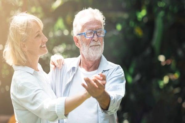 Comment faire craquer un homme de 60 ans ?